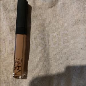 Nars Radiant creamy concealer/ new